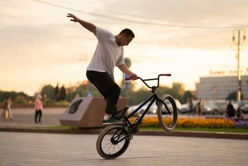 Wheels for wheelie bikes